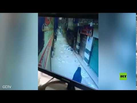 شاهد لحظة انهيار مبنى في القاهرة