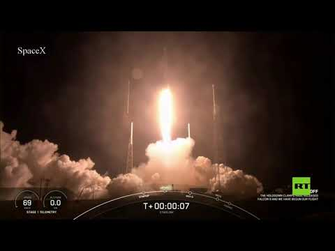 شاهد سبايس إكس تطلق إلى الفضاء دفعة جديدة من أقمار ستارلينك الصناعية